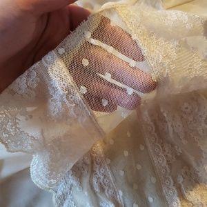 ❤(2/$15) ROMANTIC: sheer, peplum blouse!
